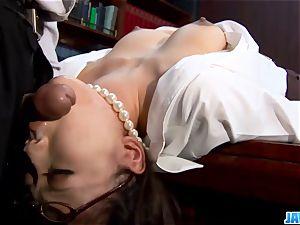 Subtitles - Ibuki, chinese secretary, smashed in office