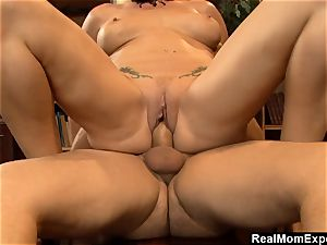RealMomExposed - messy mind and super-naughty slit