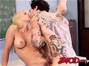 Sarah Vandella Getting nailed By Her Stepson