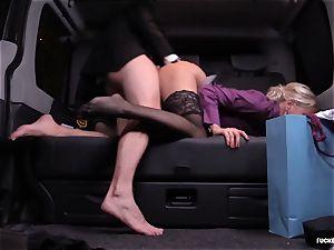 plumbed IN TRAFFIC - Christmas car fuckfest with Swedish babe