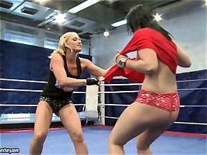 Aagell Summers and Kathia Nobili super-fucking-hot fight nude