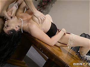 insane brunette Romi Rain boinked in her tight twat