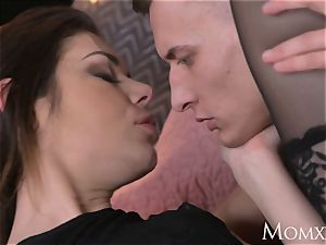 mom crazy salami deep-throating pulverizing black-haired gets internal ejaculation