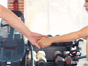 fitness coach Johnny Castle and his new college girl Tia Cyrus