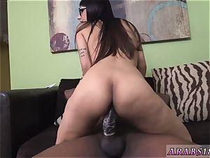 milky jizm and thick culo doll fuck stick Mia Khalifa tries A giant ebony chisel