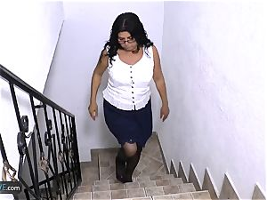 Mature older mexican lady is tugging and smashed