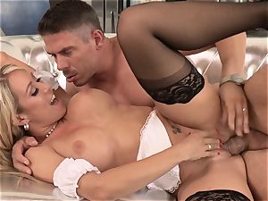 magnificent maid Capri Cavanni romped by a wild customer