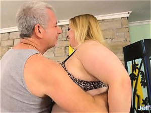 plumper Nikky nastier satiated by a masseur