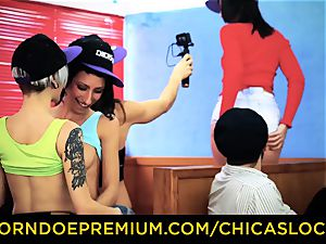 CHICAS LOCA - girl-on-girl strapon hook-up with Spanish sweeties