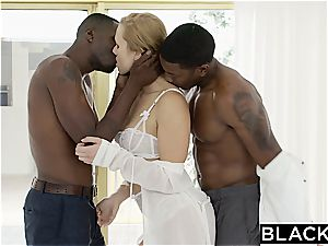 killer glamour wifey in first multiracial 3 way