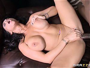 Romi Rain pulverizes her steamy dark-hued trainer in front of her stud