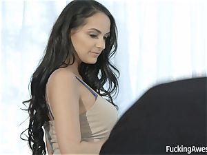 gorgeous Sofi Ryan seducing the photographer