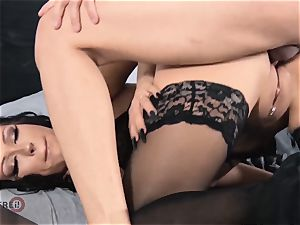 HITZEFREI Smoking red-hot mother penetrates her stepson