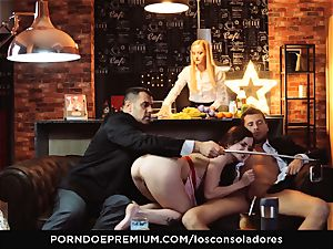 LOS CONSOLADORES - Cassie Fire powerful couple fourway