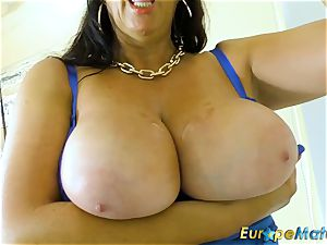 EuropeMaturE big-titted Mature Lulu chubby and yam-sized breasts