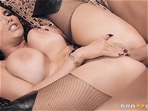 Romi Rain wants it stiffer