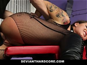 DeviantHardcore - jaw-dropping cougar poon beating
