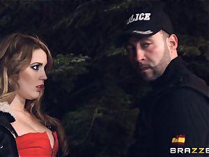 super-hot hooker Hanna Montada deep-throats and screws a messy cop