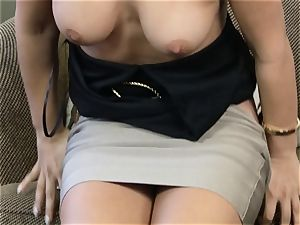 Eva Lovia pumping her poon with a glass fuck stick