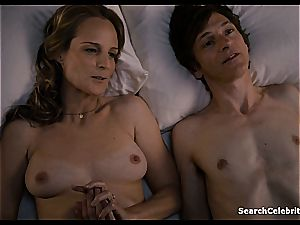 Heavenly Helen Hunt has a shaved cootchie for viewing