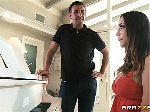 Piano enjoying stunner Chanel Preston pounds her professor