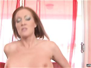 wedging down a humungous bootie milf with dirty tendencies